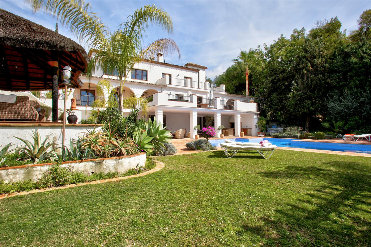Villa - Chalet  en venta en  The Golden Mile, Costa del Sol – R3166174