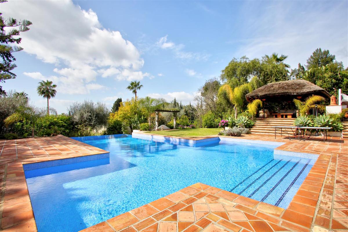 Villa for Sale in The Golden Mile – R3166174