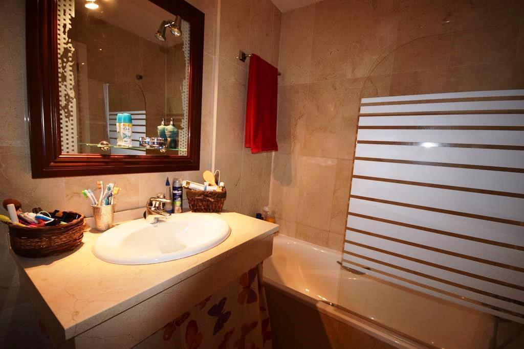 Adosada  en venta en  La Quinta, Costa del Sol – R3050869