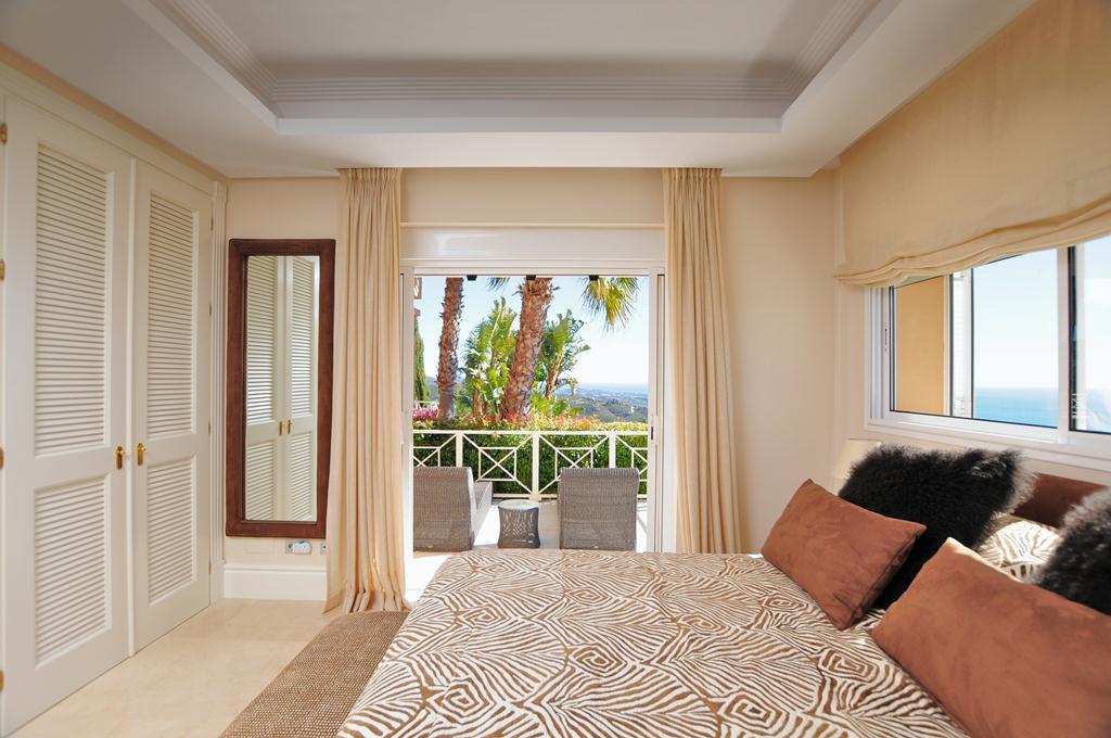 Villa en Venta en Altos de los Monteros – R3107795