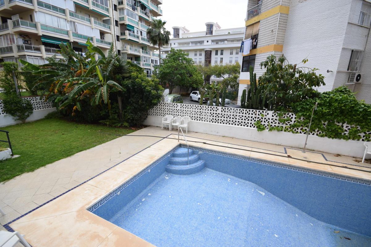 Aparment recently renovated closed to Paseo Maritimo , the beach , Puerto Deportivo and Marbella cen, Spain