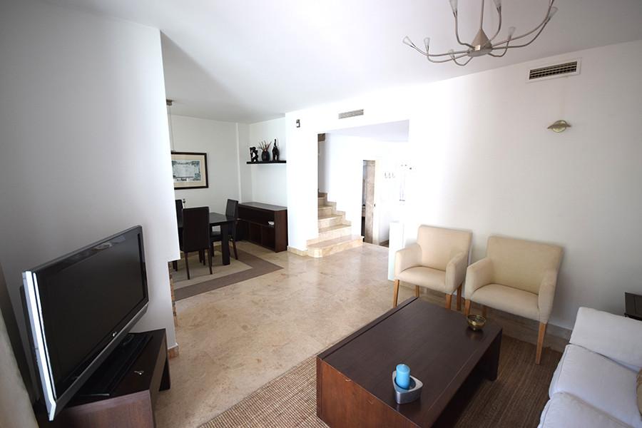 Adosada  en venta en  Nueva Andalucía, Costa del Sol – R3110977