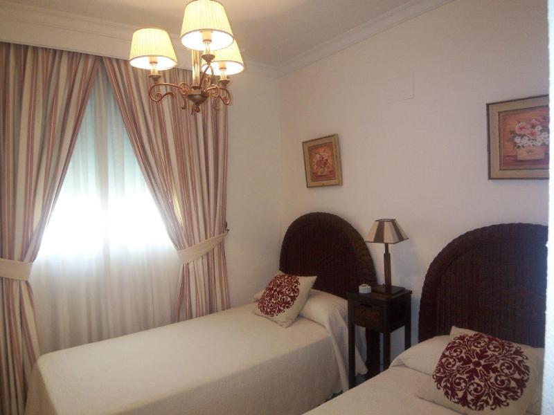 Apartamento Planta Media  en venta en  Nueva Andalucía, Costa del Sol – R831796