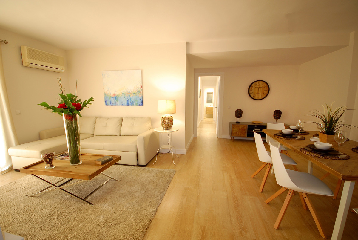 Very nice apartment with 3 bedrooms 2 bathrooms in the center of San Pedro de Alcantara, near of all,Spain