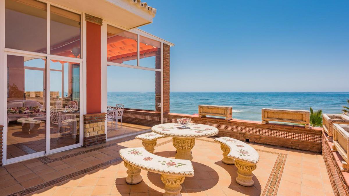 Marbella Banus Villa en Venta en Cabopino – R3321061