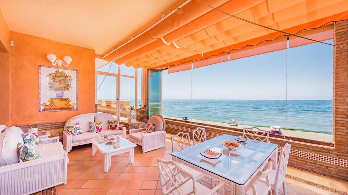 Villa en Venta en Cabopino – R3321061