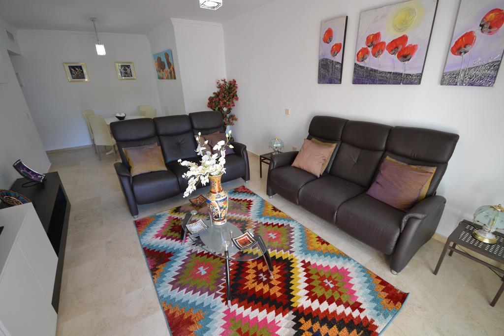 Middle Floor Apartment  for rent in  Puerto Banús, Costa del Sol