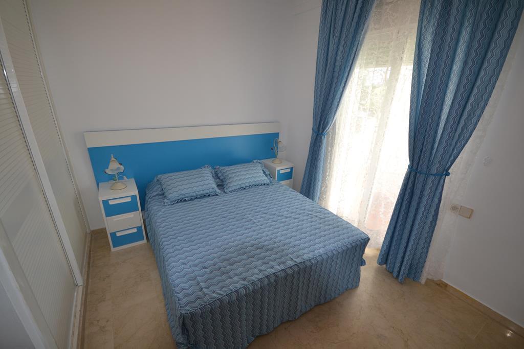 Apartamento Planta Media  en alquiler en  Puerto Banús, Costa del Sol – R791542