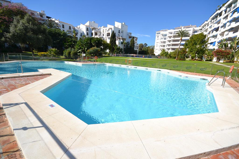 Marbella Banus Apartamento Planta Media en Alquiler, Puerto Banús – R791542