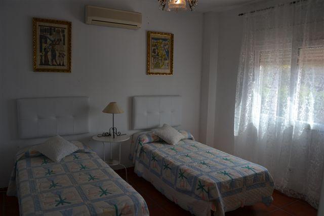 Villa  en Alquiler en Reserva de Marbella – R783947