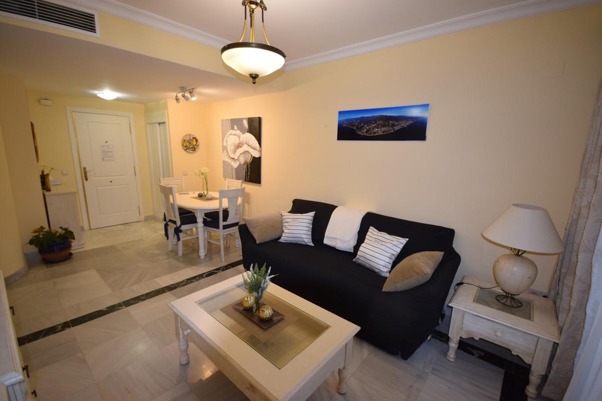 Marbella Banus Apartamento  en Alquiler en Marbella – R3362326