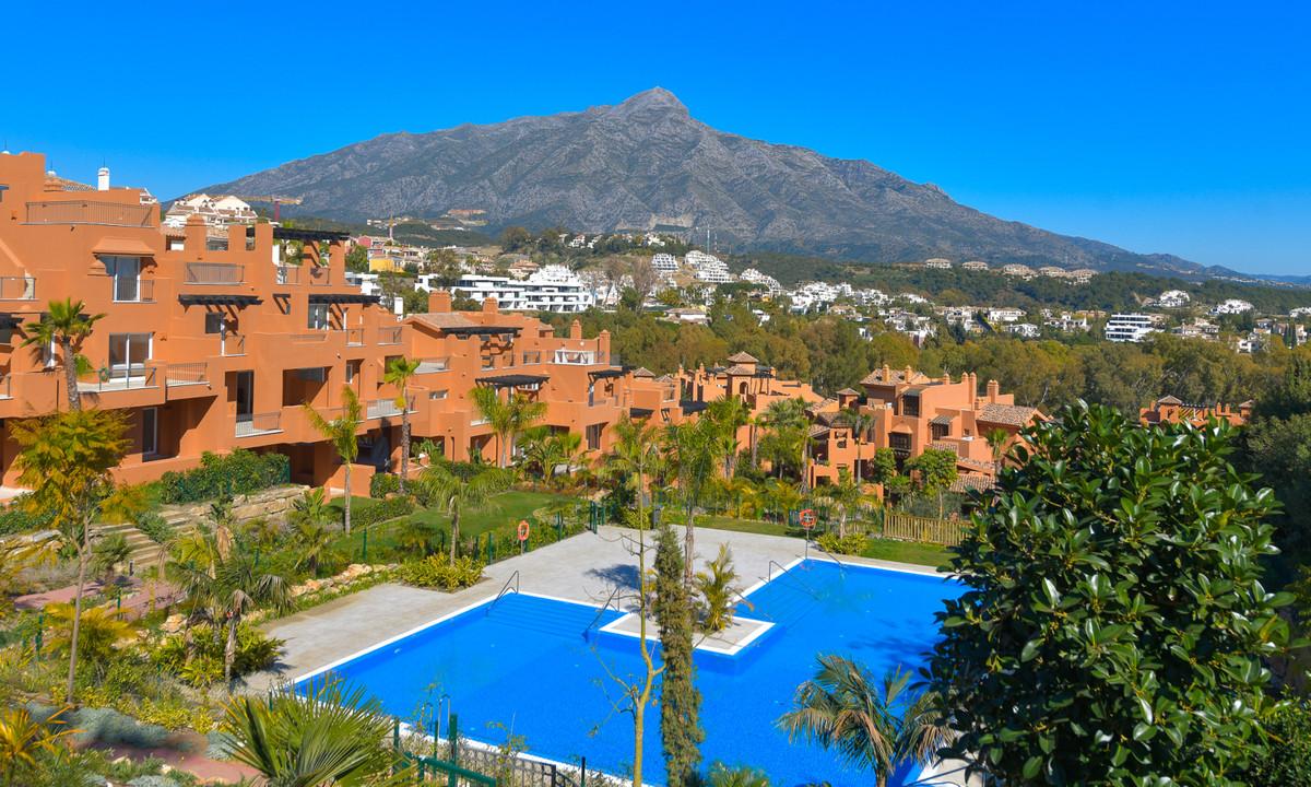 Marbella Banus Apartment for Sale in Nueva Andalucía - R2677151