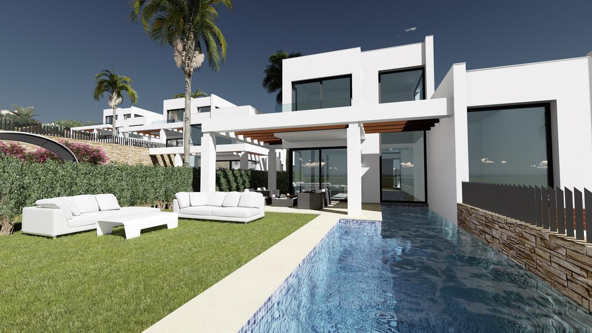 Marbella Banus Villa en Venta en Cabopino – R2955026