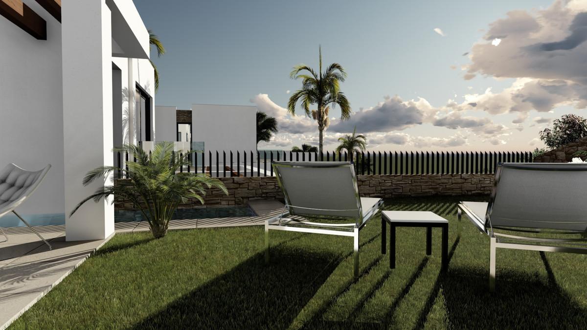 Villa en Venta en Cabopino – R2955026