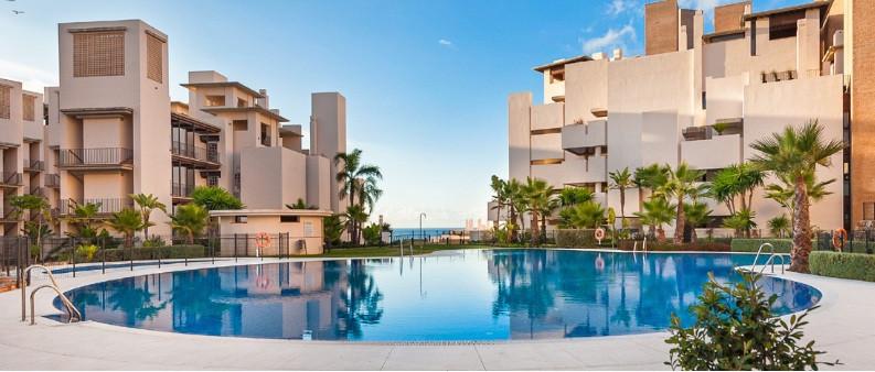 Marbella Banus Apartamento Planta Baja en venta en New Golden Mile – R2679863
