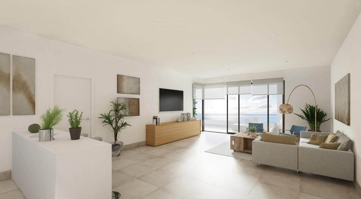 Apartamento Planta Baja  en venta en  Benalmadena Costa, Costa del Sol – R3457888