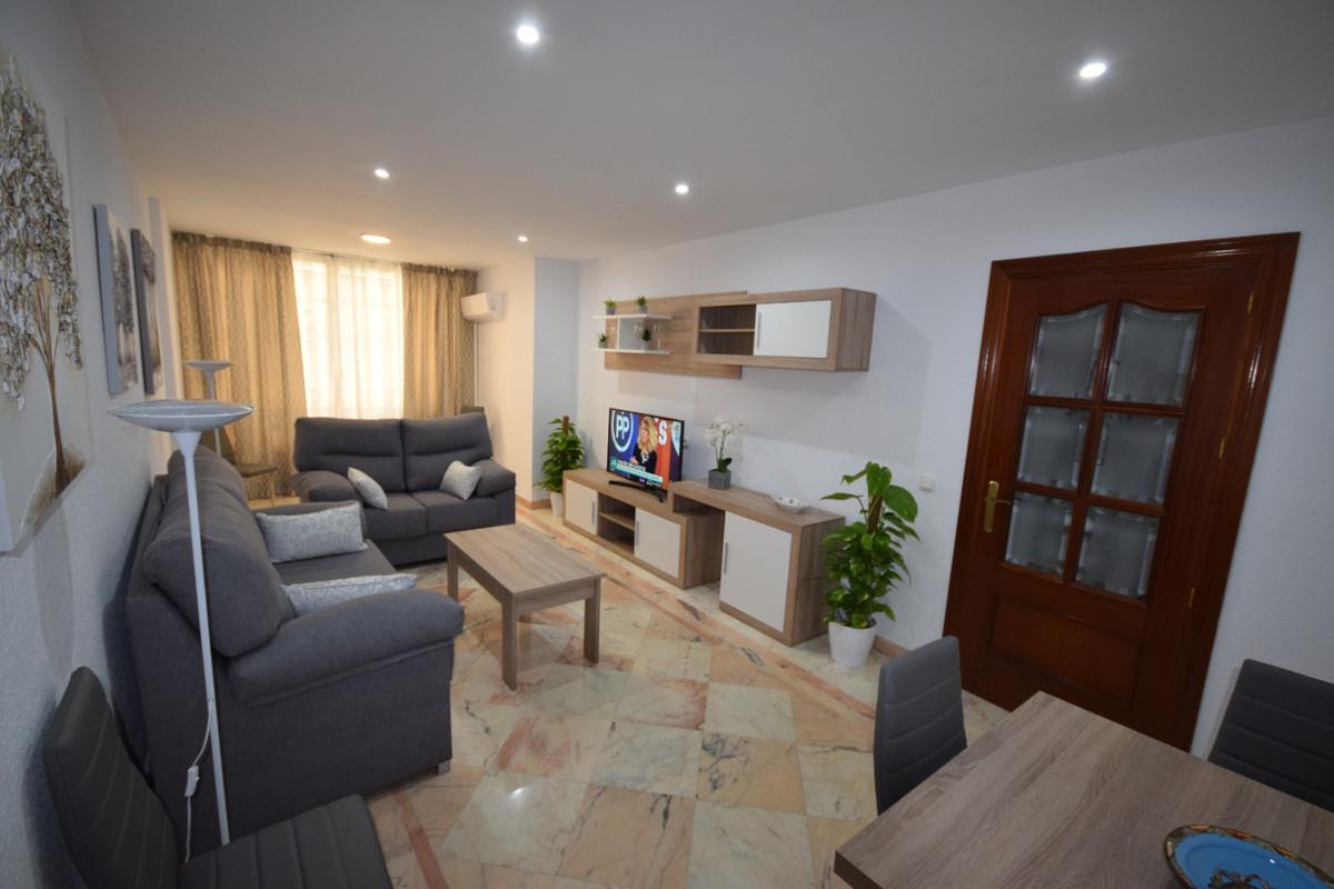 Marbella Banus Apartamento Planta Media en Alquiler en Marbella – R3411520
