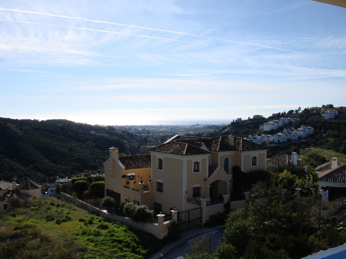 Villa - Chalet  en venta en  La Quinta, Costa del Sol – R3398926