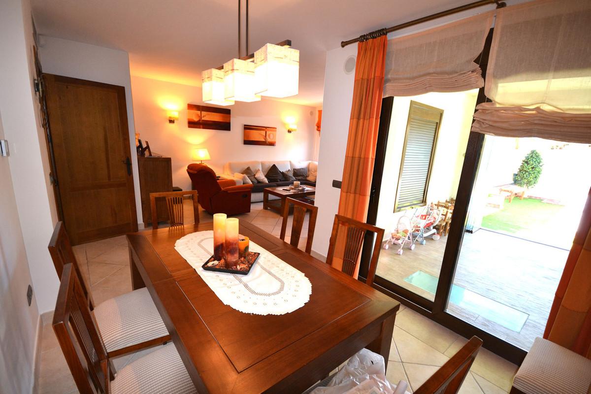 Villa - Chalet  en venta en  Las Chapas, Costa del Sol – R2502869