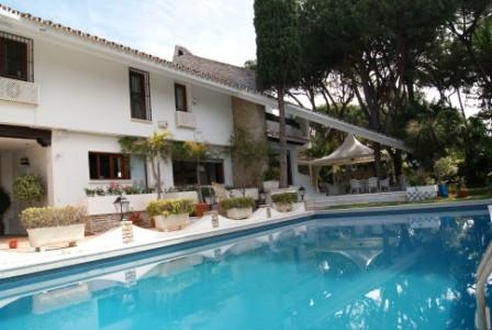 Marbella Banus Villa for Holiday Rentals in Cabopino - R1989327