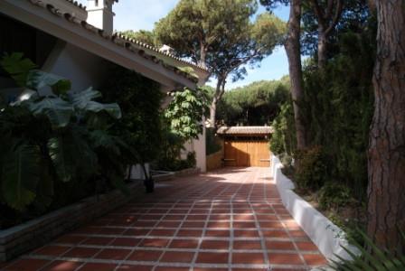 Villa en Alquiler Vacacional en Cabopino – R1989327