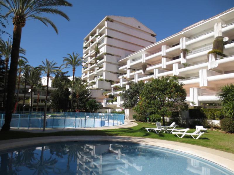 Marbella Banus Apartamento en Venta en Marbella – R2172230