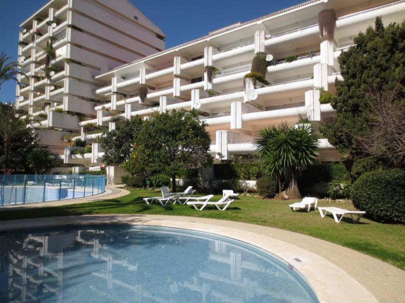 Apartamento en Venta en Marbella – R2172230