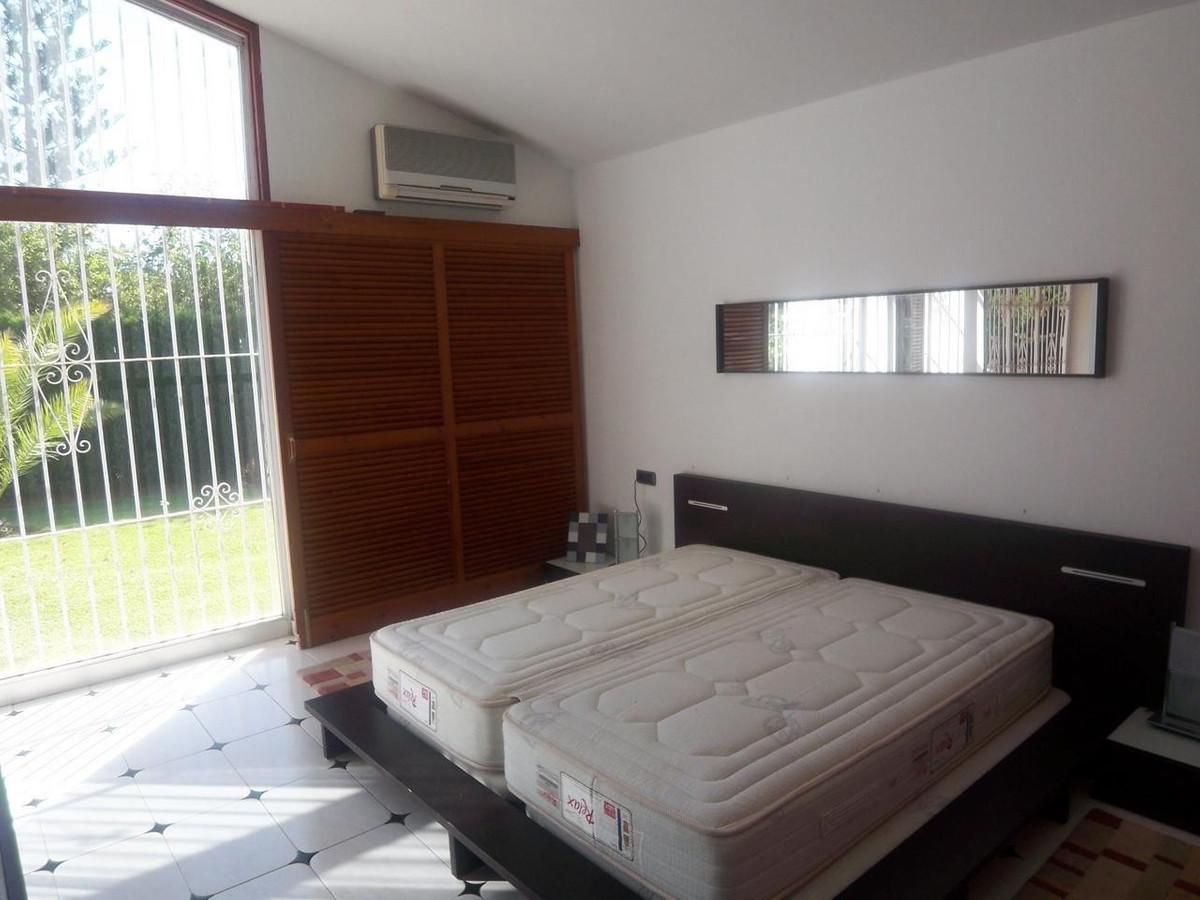 Villa - Chalet  en alquiler en  Marbella, Costa del Sol – R721535