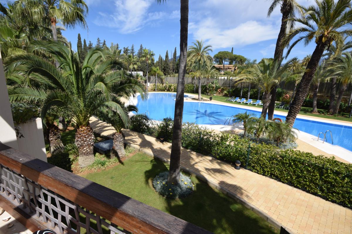 Marbella Banus Apartamento en Venta en Nueva Andalucía – R3403372