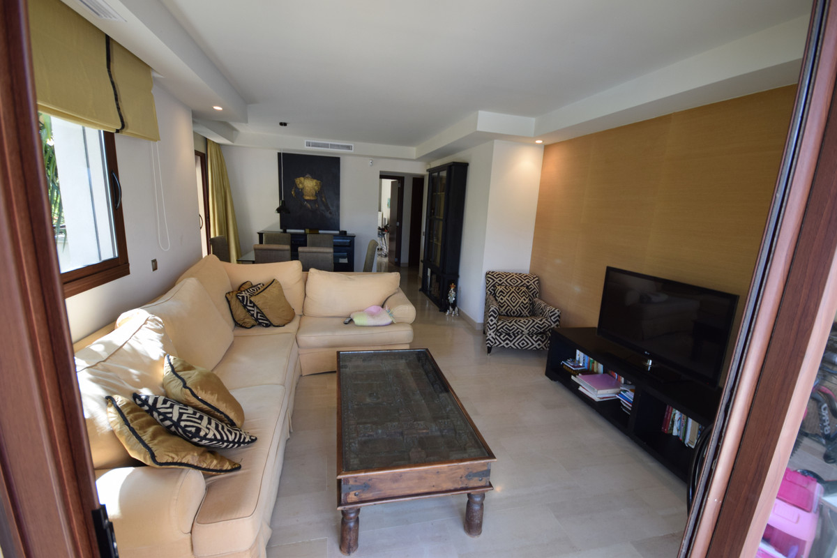 Apartamento Planta Media  en venta en  Nueva Andalucía, Costa del Sol – R3403372