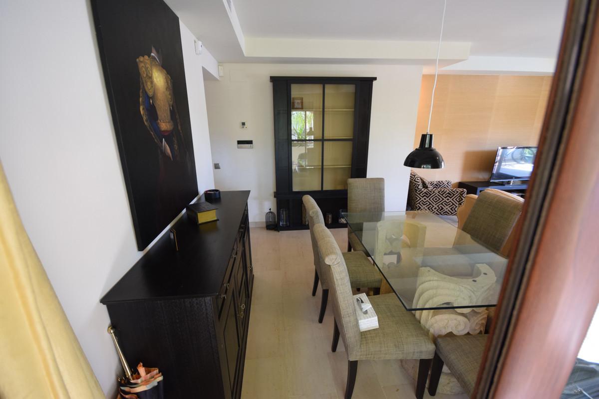 Apartamento en Venta en Nueva Andalucía – R3403372