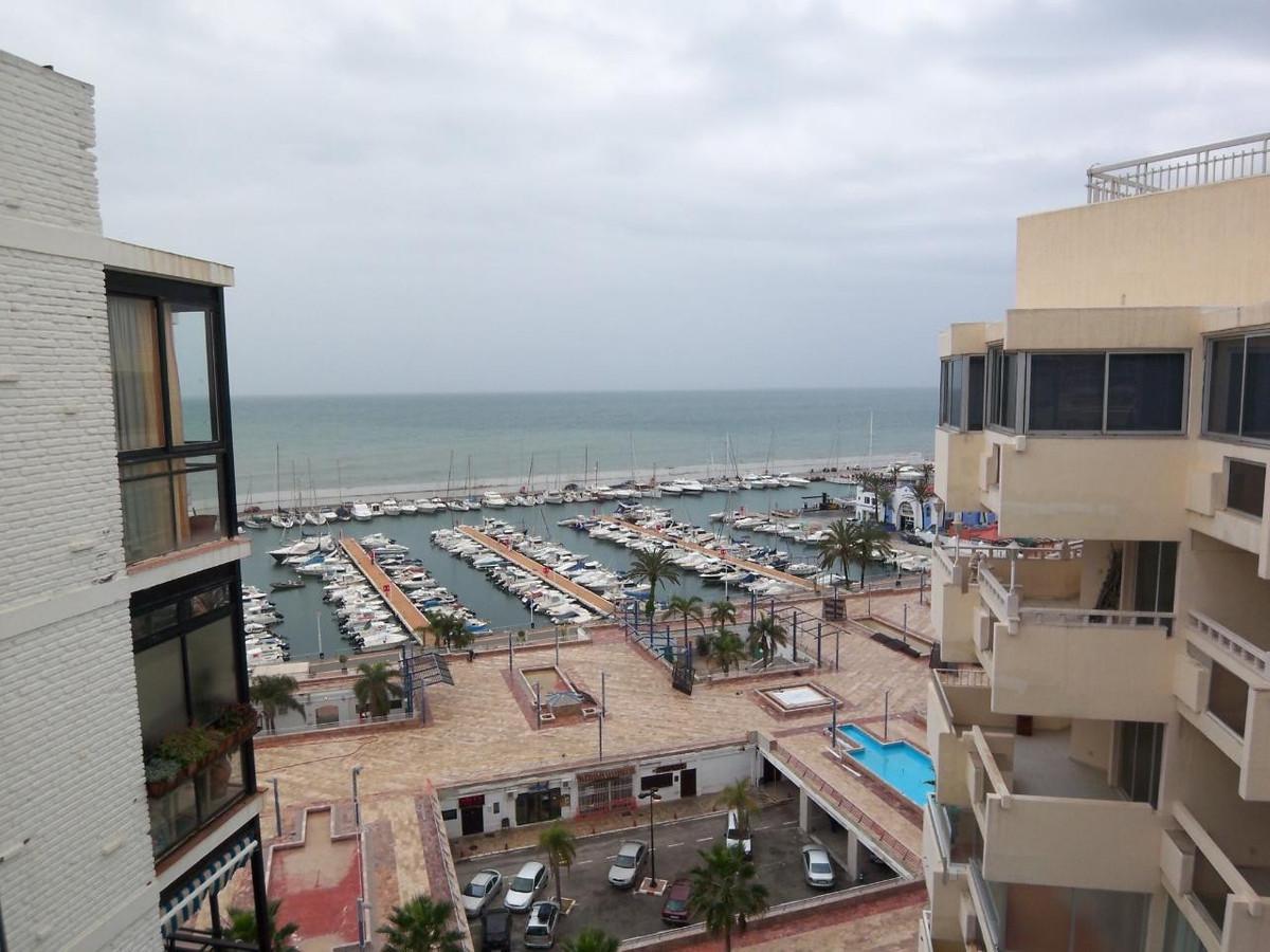 Mitte Stock Wohnung  auf Miete in  Marbella, Costa del Sol