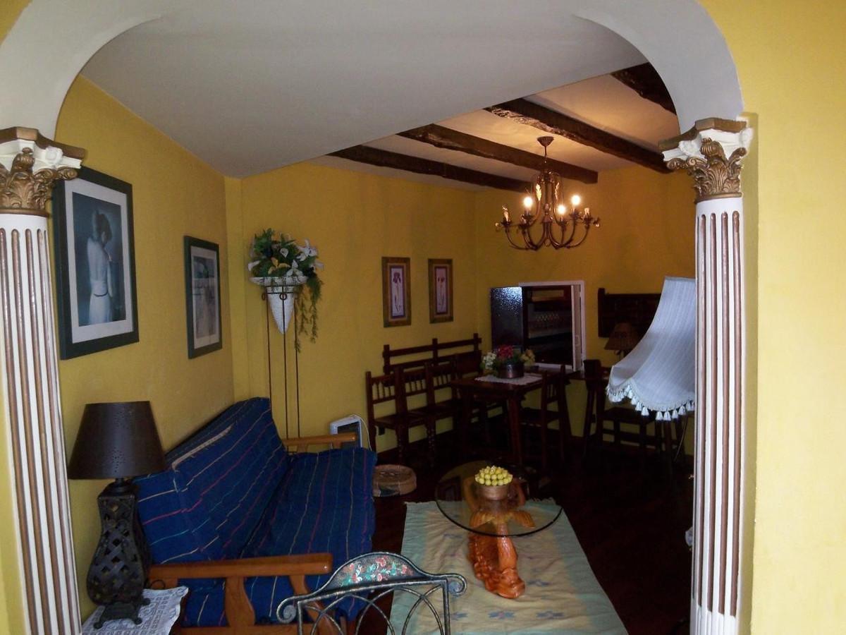Apartamento Planta Media  en alquiler en  Marbella, Costa del Sol – R719477