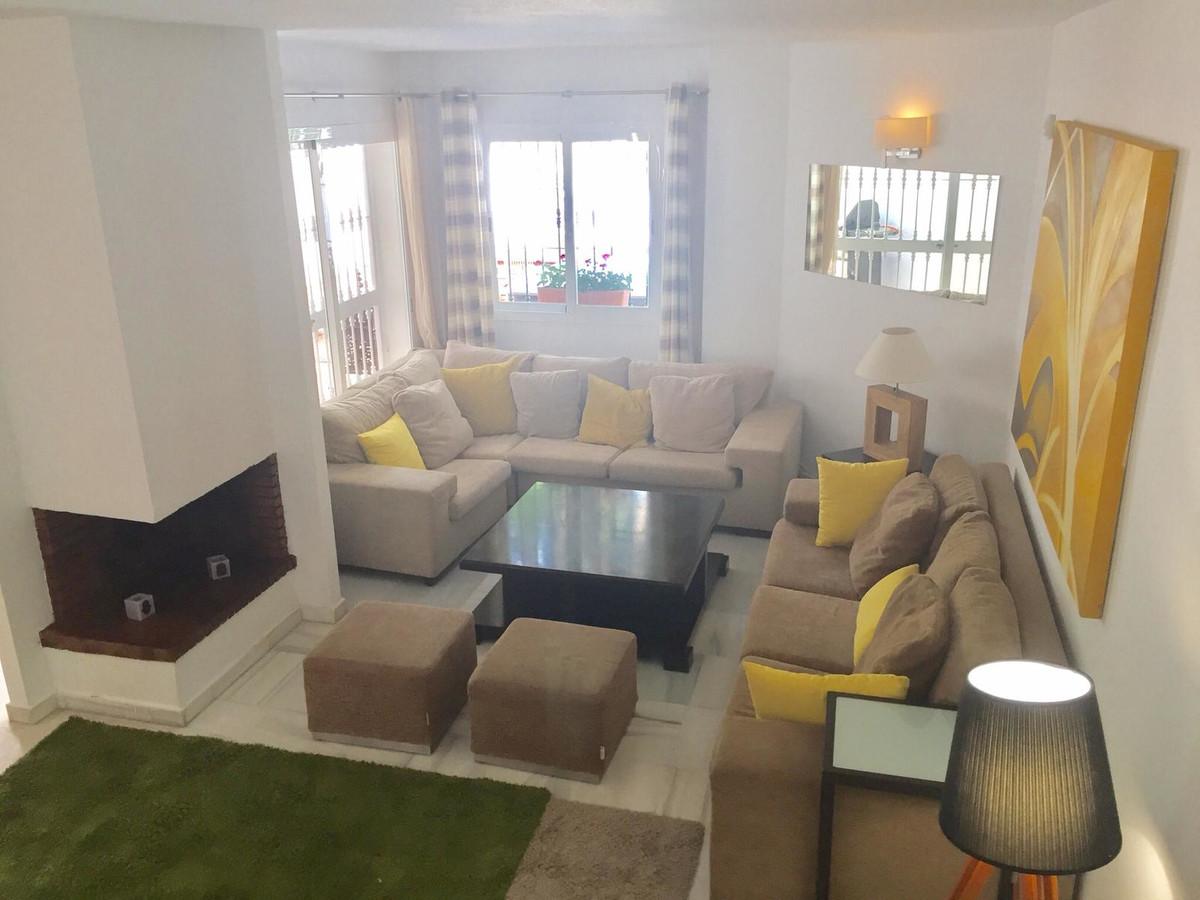 Adosada  en venta en  Nueva Andalucía, Costa del Sol – R3451732