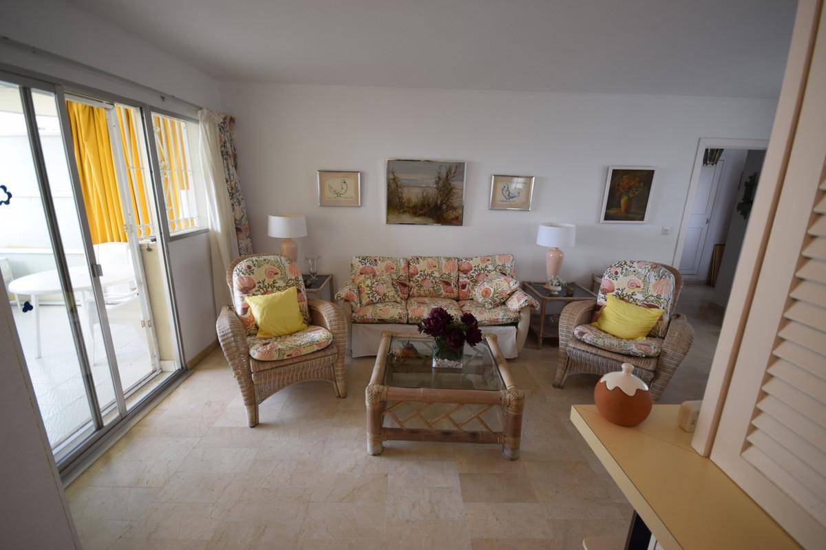 Apartamento Planta Media  en venta en  Marbella, Costa del Sol – R3377515