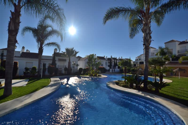 Marbella Banus Apartamento en Venta en Aloha – R2883047