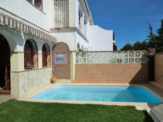 Magnificent semi-detached house in Costabella at 300m from one of the best beaches in Marbella. 2 ba,Spain