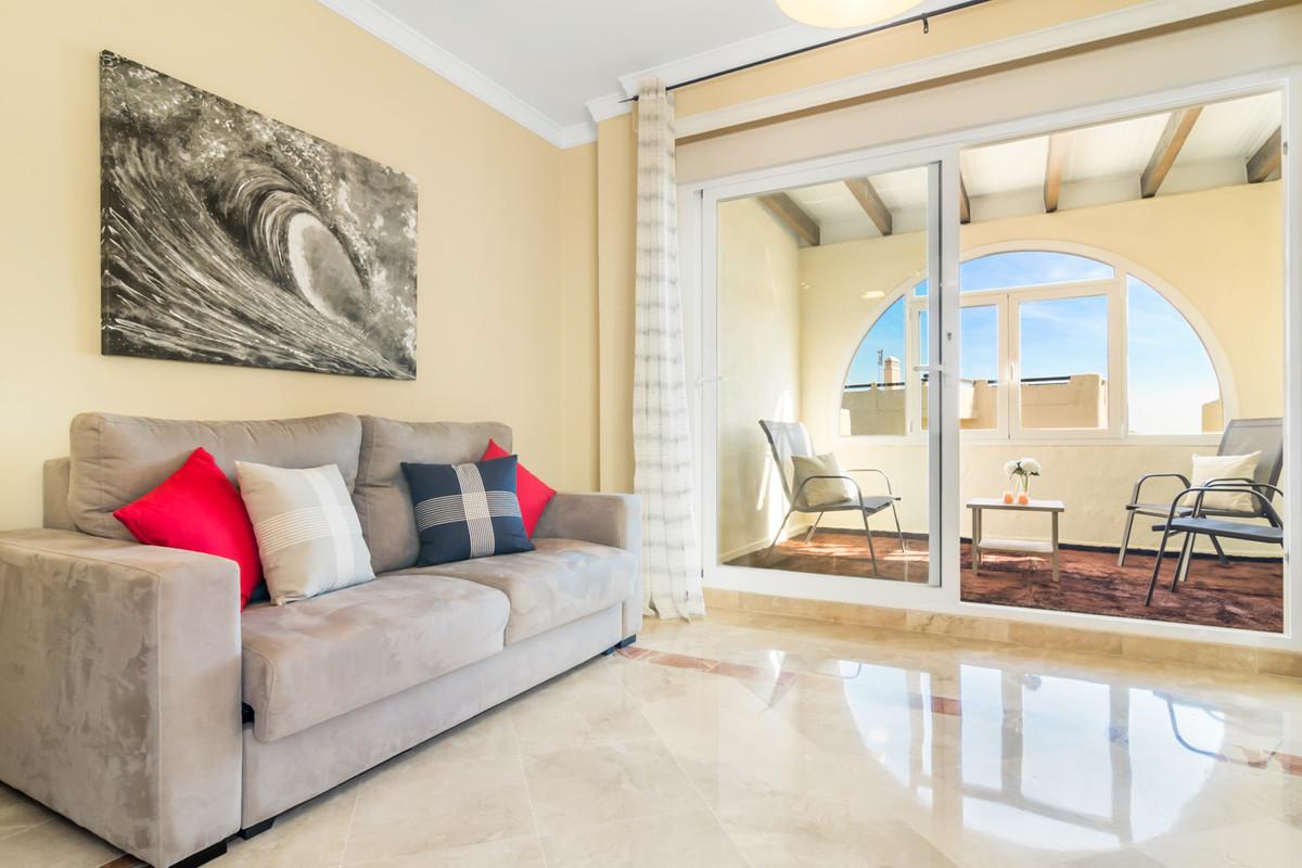 Ático  en venta en  Estepona, Costa del Sol – R3329587