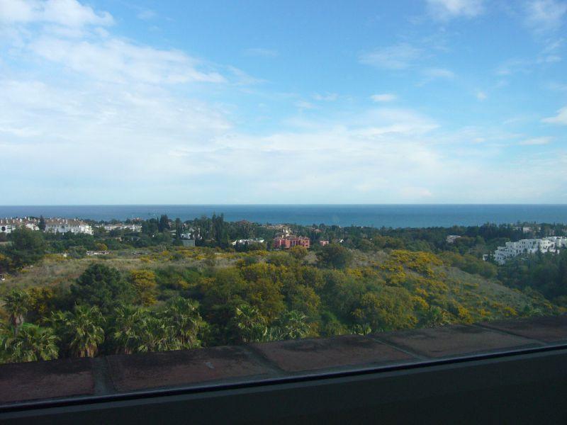 Marbella Banus Apartamento Planta Media en Alquiler en Marbella – R719924