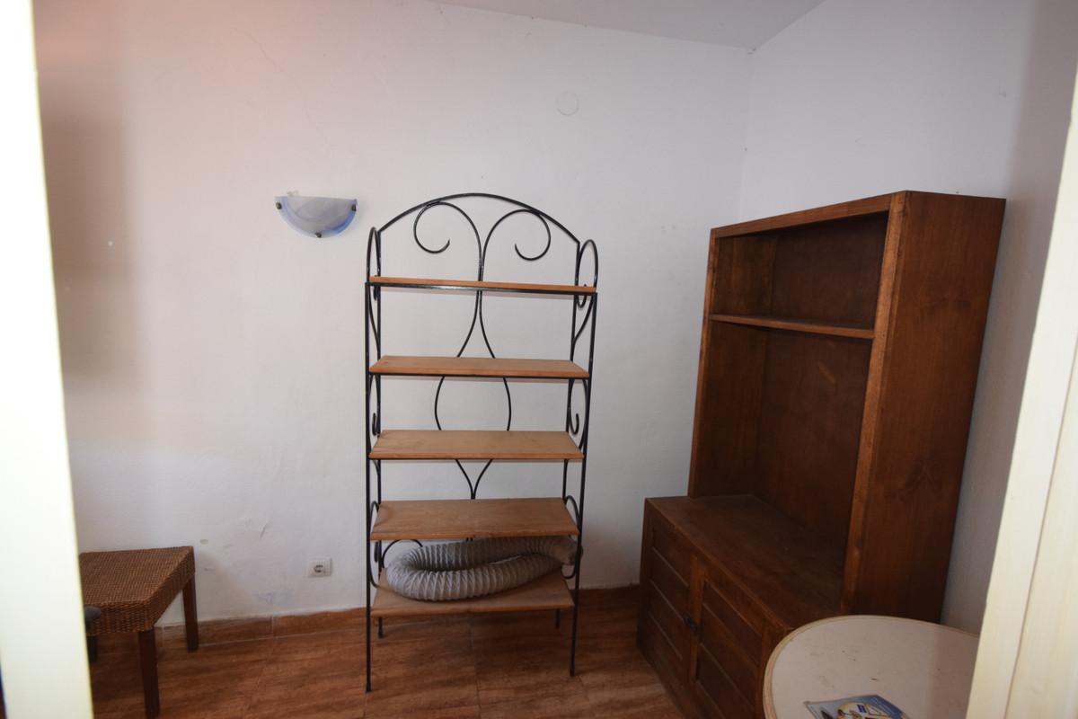 Villa - Chalet  en venta en  Marbella, Costa del Sol – R721217