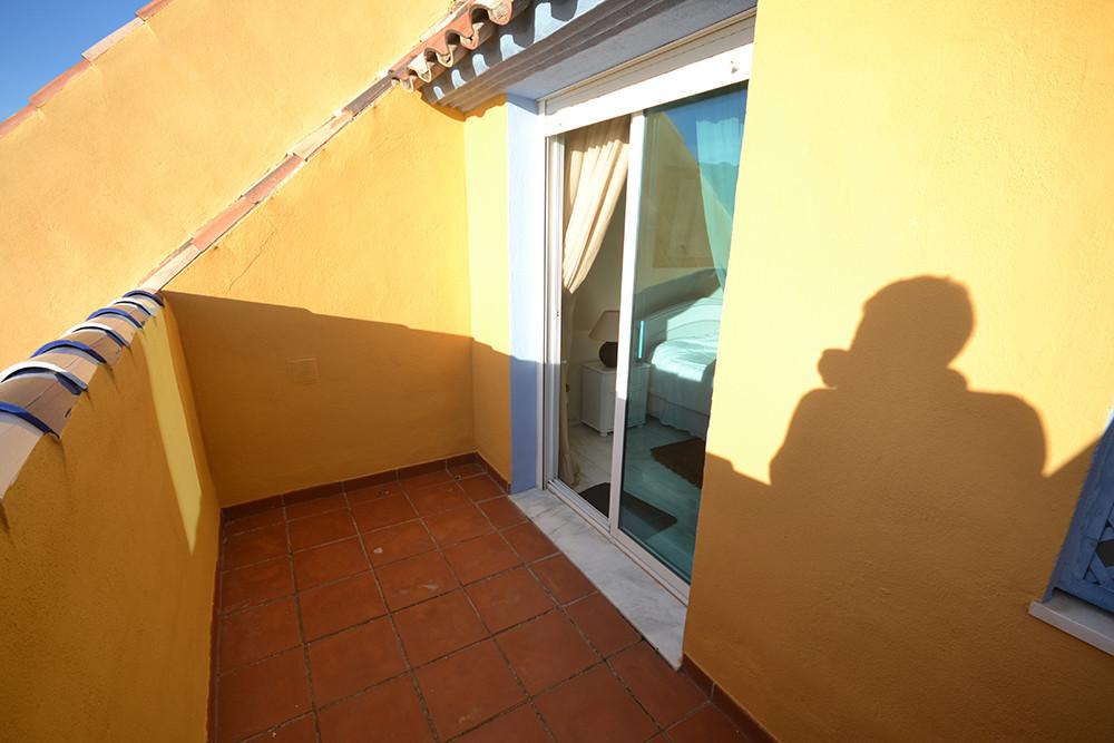 Ático en Alquiler Vacacional en Bahía de Marbella – R2852858