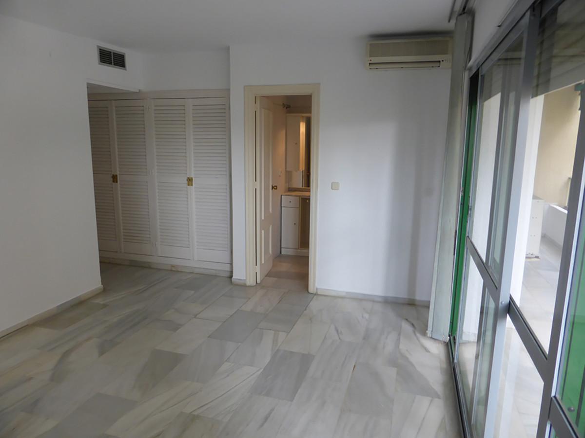 Apartamento Planta Media  en venta en  Marbella, Costa del Sol – R3378499