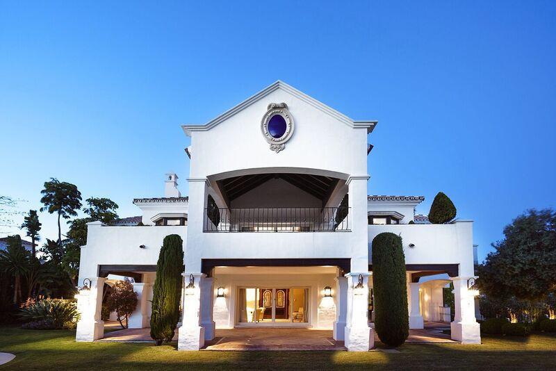 Marbella Banus Villa en Venta en Benahavís – R3012089
