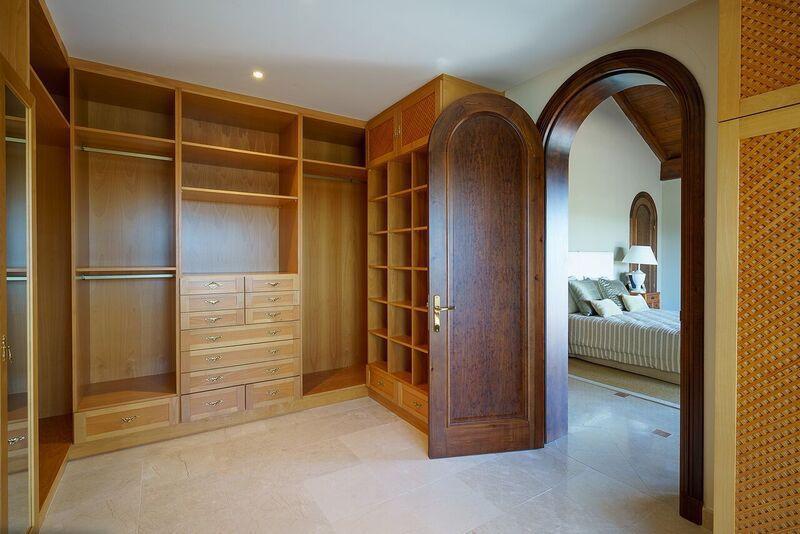 Villa - Chalet  en venta en  Benahavís, Costa del Sol – R3012089
