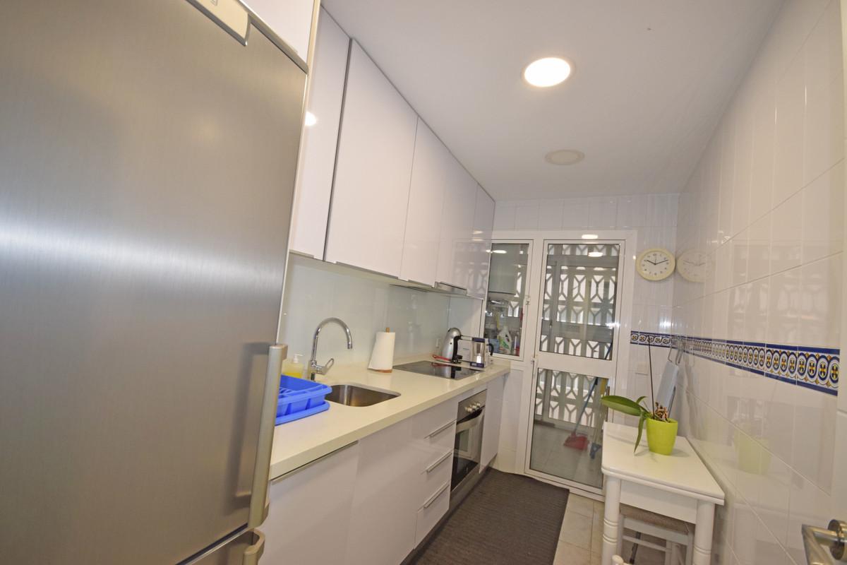 Apartamento Planta Media en Alquiler en Marbella – R3364483
