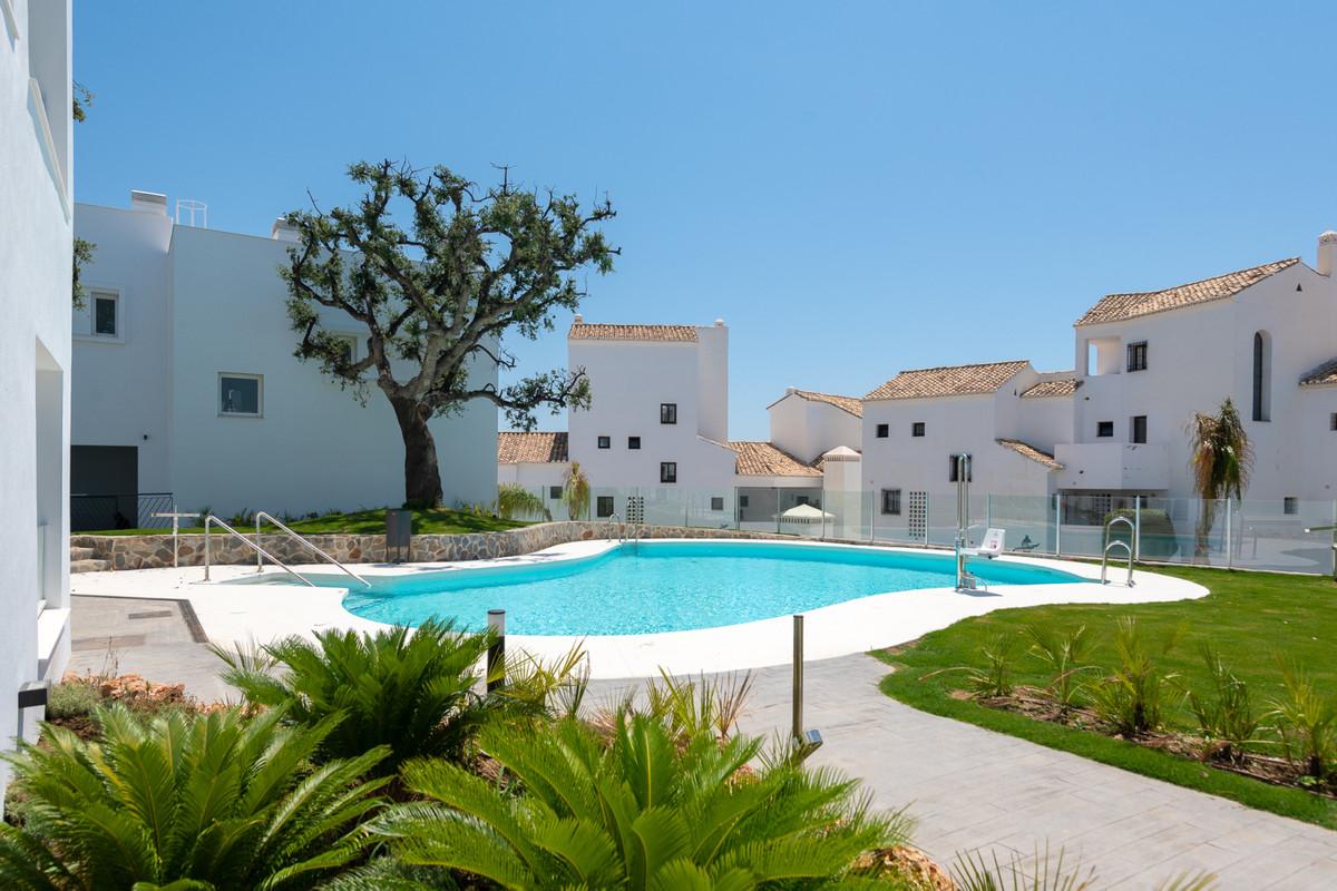Marbella Banus Apartamento en Venta en Altos de los Monteros – R2891330