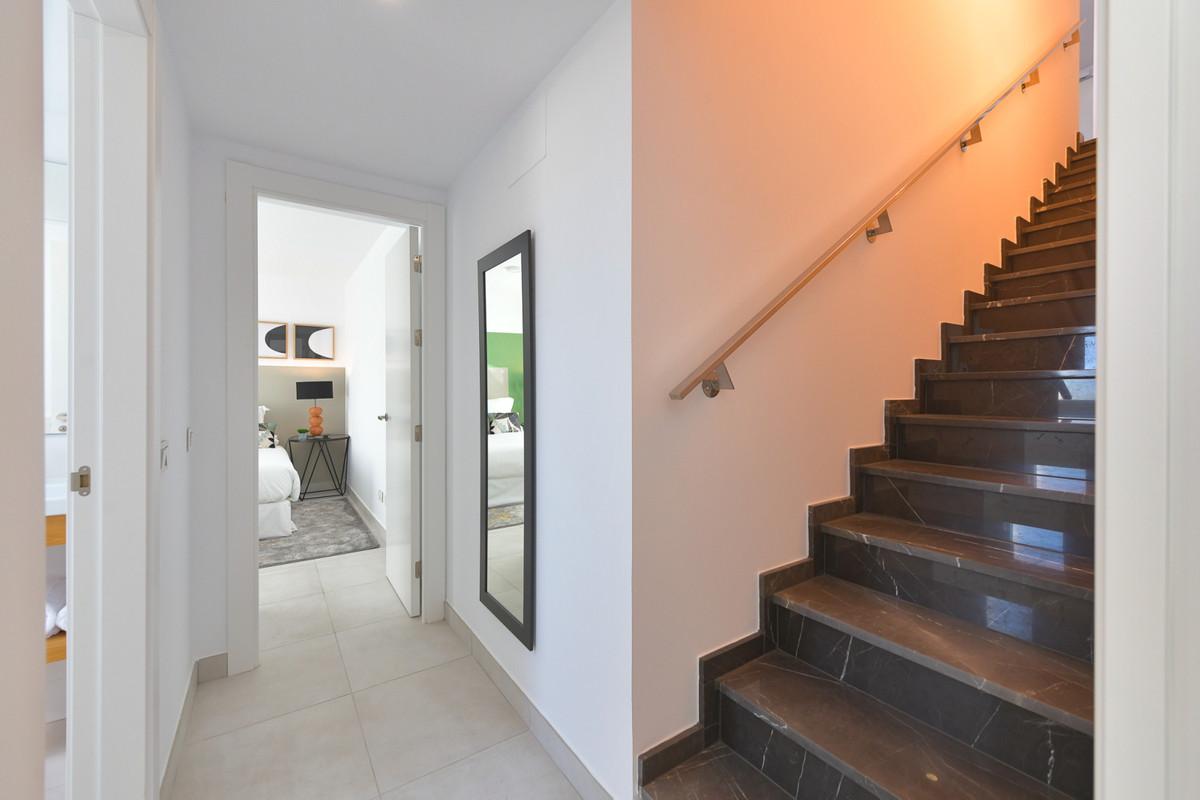 Apartamento en Venta en Altos de los Monteros – R2891330