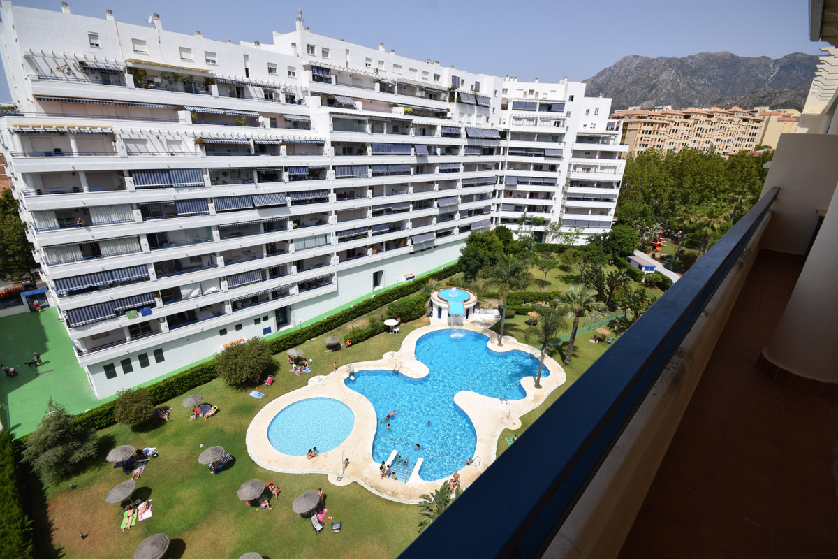 Marbella Banus Apartamento en Venta en Marbella – R3464884