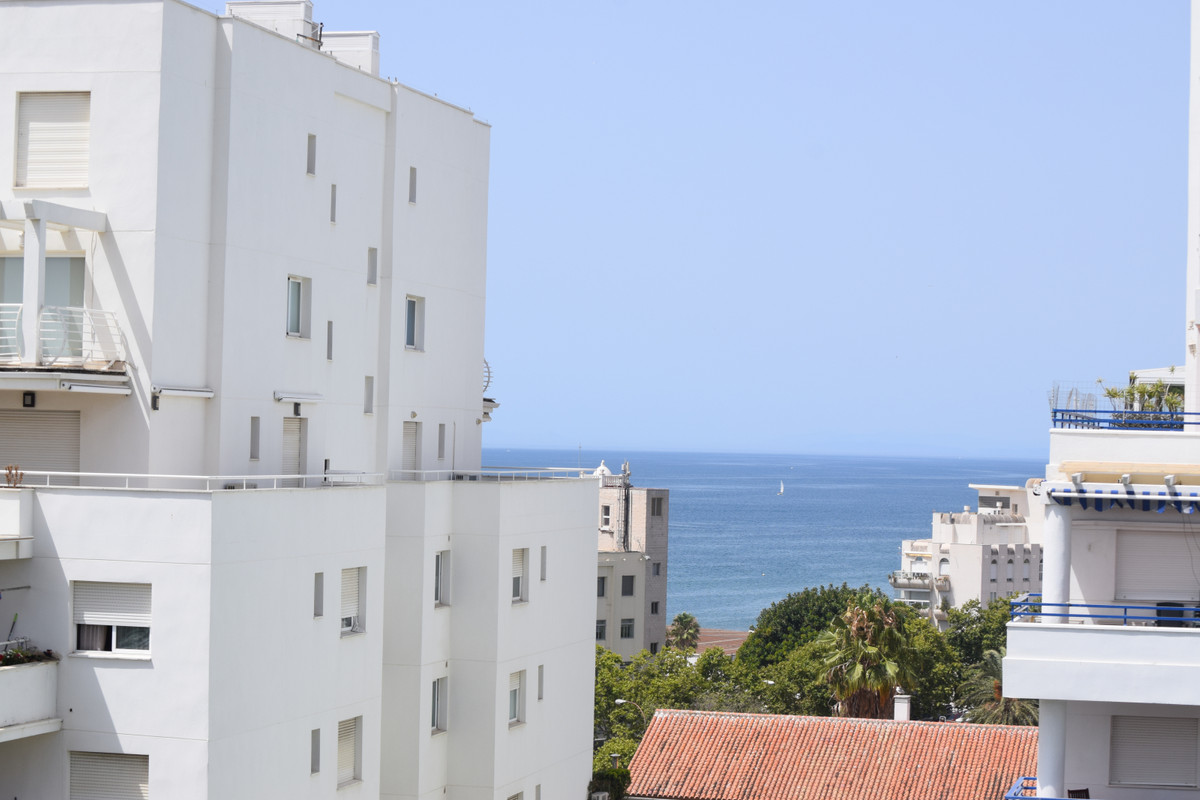 Apartamento Planta Media  en venta en  Marbella, Costa del Sol – R3464884