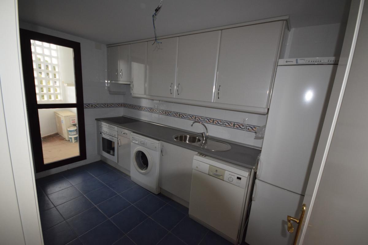 Apartamento Planta Media  en venta en  Nueva Andalucía, Costa del Sol – R3384148